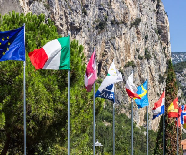 flags-943099_1920
